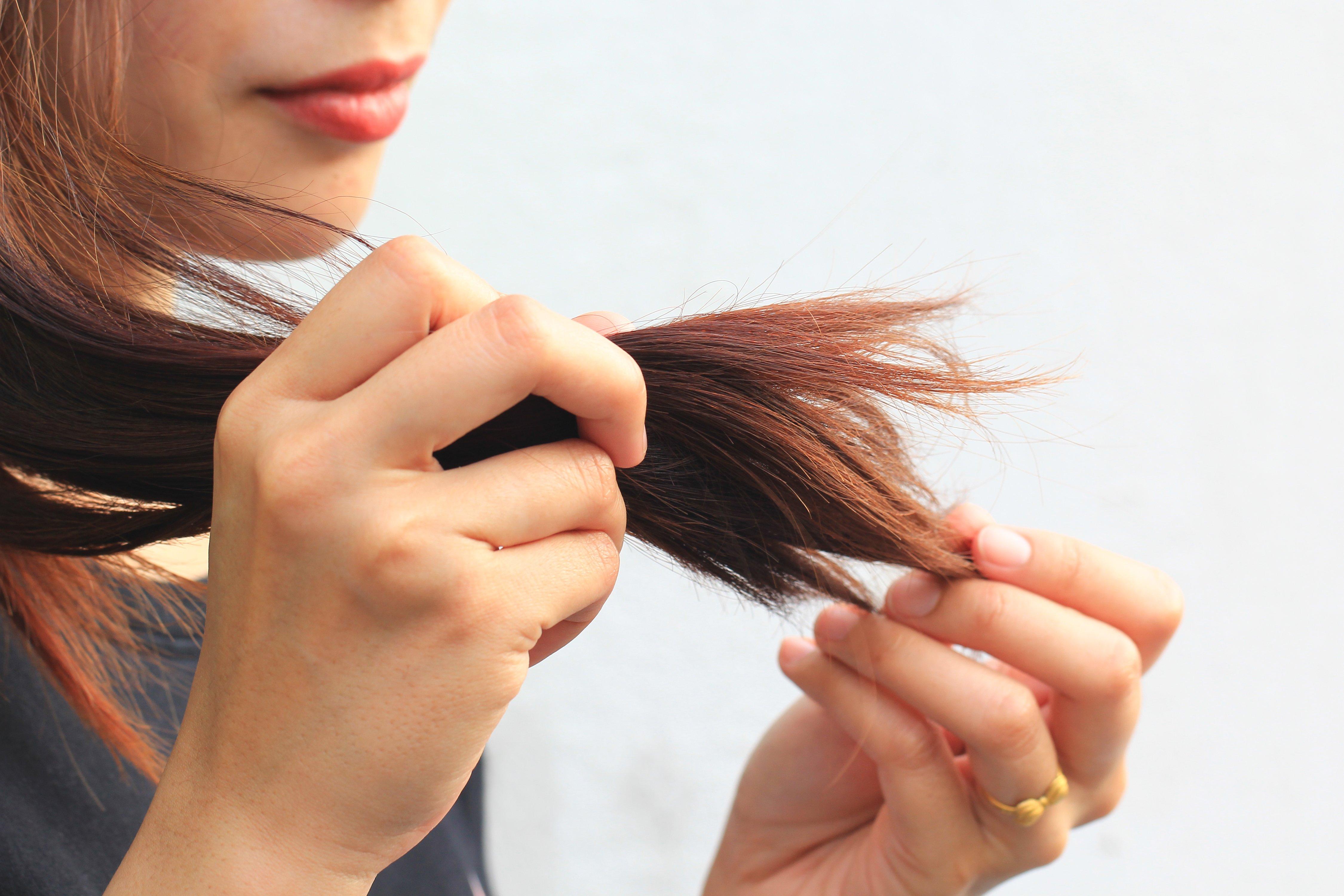 cambios-en-el-cabello-y-en-las-unas-con-la-edad